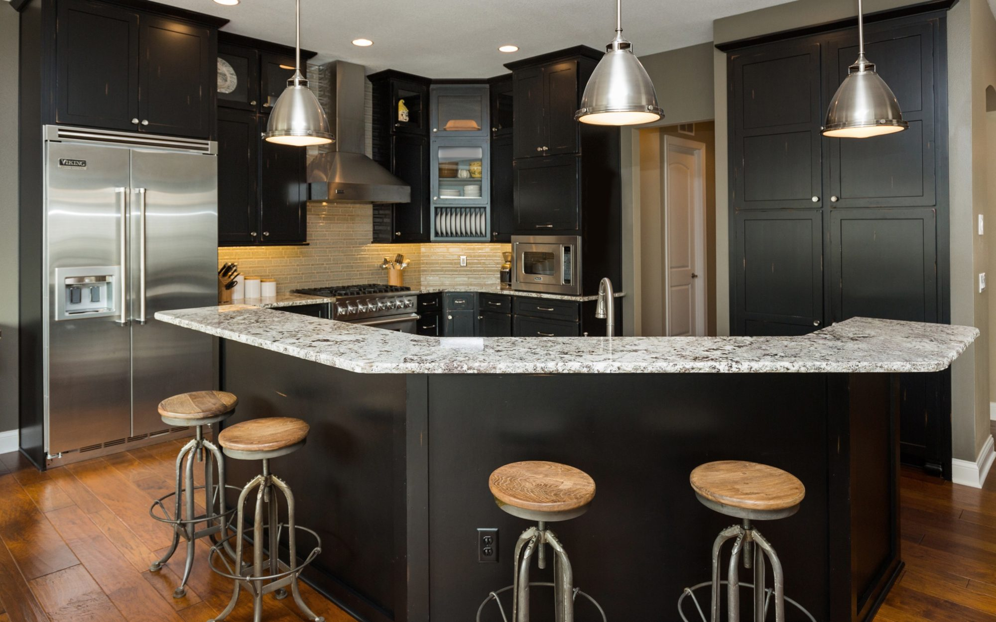 Delicieux Featured Des Moines Kitchen Remodels. View All Kitchens